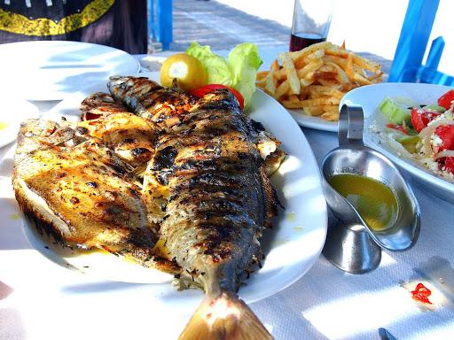 lunch-Santorini-Greece - Lunch at To Psaraki restaurant by the Vlychada beach, Santorini.
