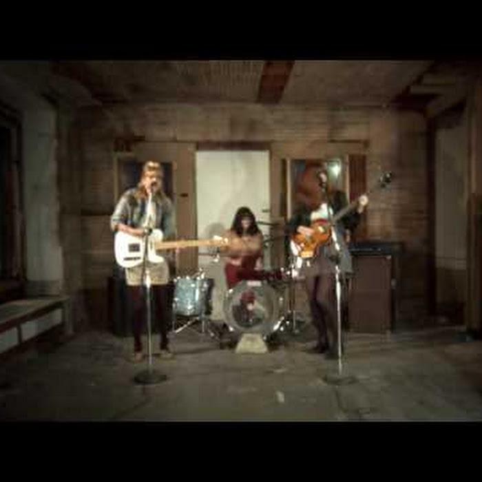 Vivian Girls - When I'm Gone (youtube)