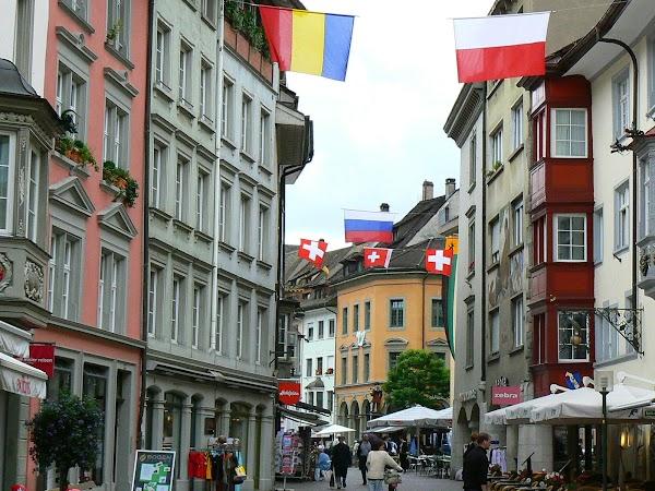 Obiective turistice Elvetia: strazi in Schaffhausen.JPG