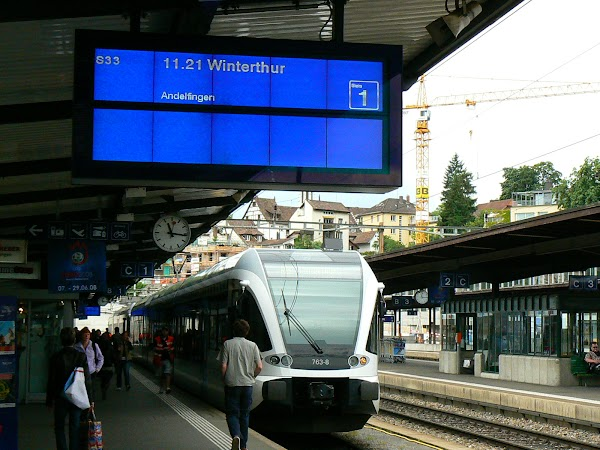 Obiective turistice Elvetia: spre cascada Rheinfall