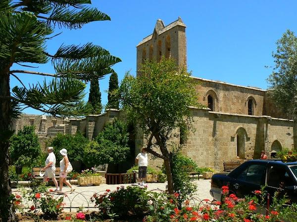 Obiective turistice Cipru de Nord: Bellapais Abbey.JPG