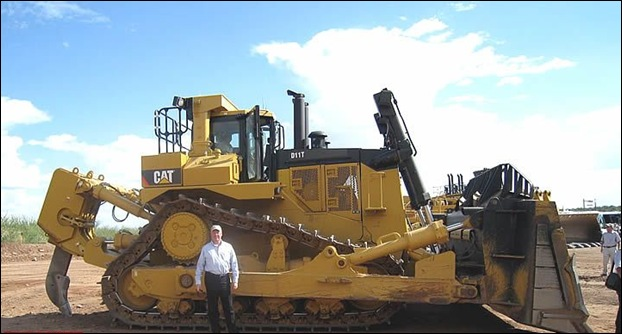 10 Models Of The World's Largest Bulldozer ~ MegaMachine