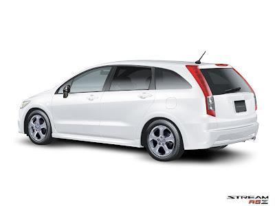 Honda Stream RCZ Prefacelift back