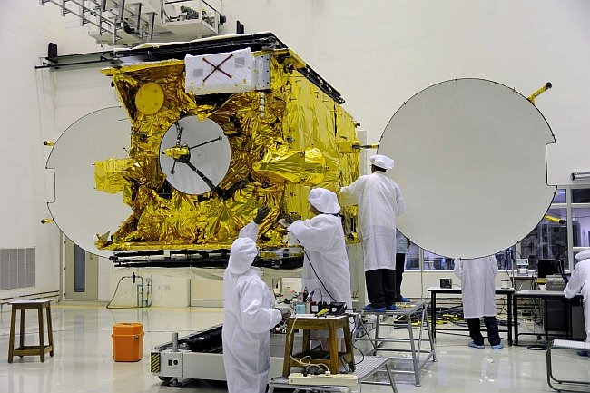 Scientists & Engineers working on the GSTA-5P satellite, which was on board the aborted GSLV F06 launch mission