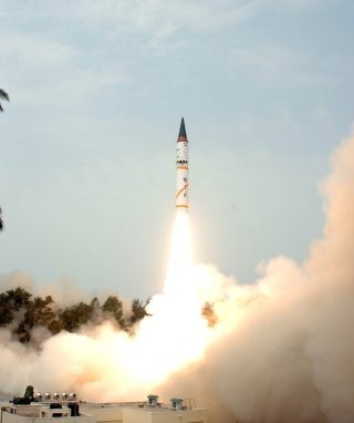 Nulear-capable Agni Ballistic Missile Wallpaper [Agni 3]