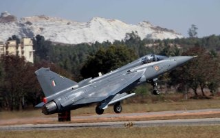 20110316-Indian-Air-Force-Light-Combat-Aircraft-Tejas-Wallpaper-03-TN