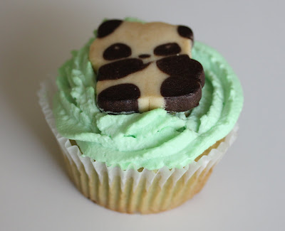 Panda Cupcakes and a Giveaway