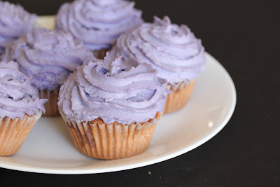 close-up photo of cupcakes