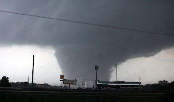 高清组图:美国南部强风暴天气肆虐
