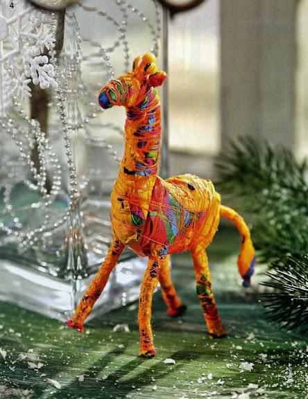 """Жираф из бумажных салфеток.  Источник: журнал  """"Ручная работа, 1 - 2009 """""""