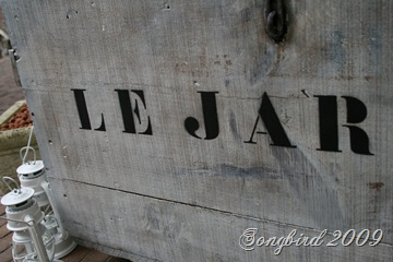 Crate letters