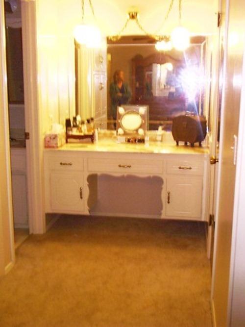 Tracy's Trinkets and Treasures: Bathroom Redo, Custom ...