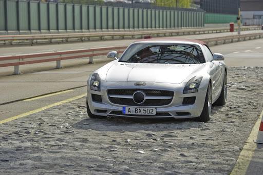 Mercedes-SLS-AMG-Roadster-01.jpg