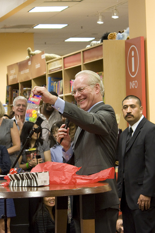 Tim Gunn and a Giveaway!