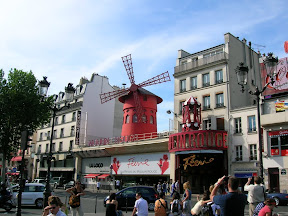 004 - Le Moulin Rouge.JPG