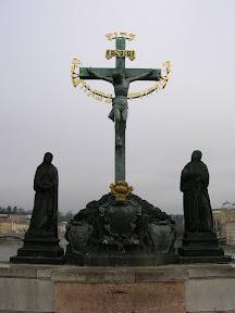 032 - Escultura en el Karluv most.JPG