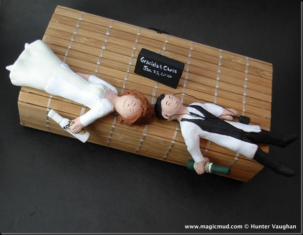 drunk bride and groom wedding cake custom wedding cake toppers drunken and groom 13759