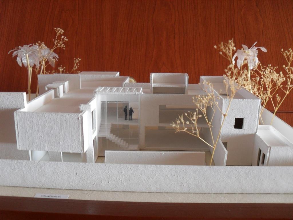 Studio cocktail maqueta casa minimalista for Casa minimalista 4 5x15