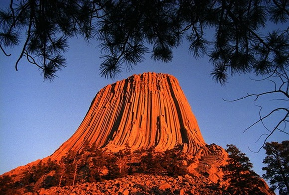 The-Most-Famous-And-Scary-Devil-Tower-11