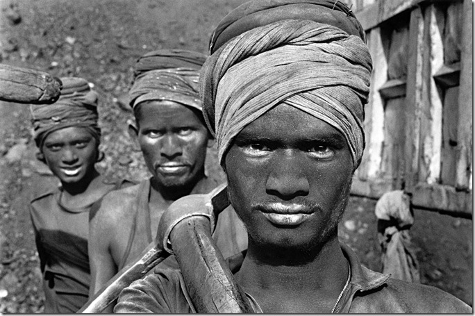 Sebastiao Salgado -Coal-Mine_India