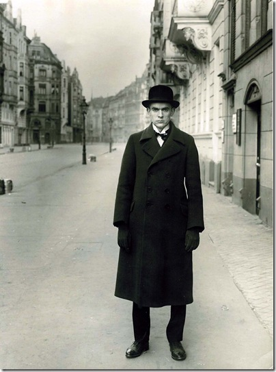 August Sander - The painter Anton Räderscheidt 1927