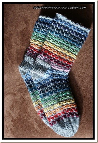 Color wheel socks - finished