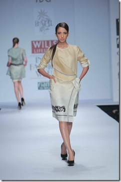 WIFW SS 2011 collection by Vineet Bahl (16)