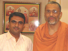 Devang Vibhakar with Tyag Vallabh Swamiji