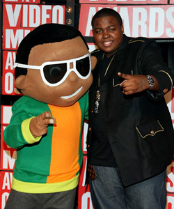 Sean Kingston on the red carpet at the VMA's [image courtesy of Getty images and MTV]