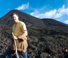michael hodson volcan pacaya guatemala near summit