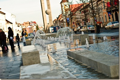 downtown-cluj-napoca-fountains-monument