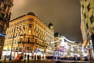 mystical-lights-on-street
