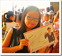Song Joong Ki Autograph Session Happy Fan
