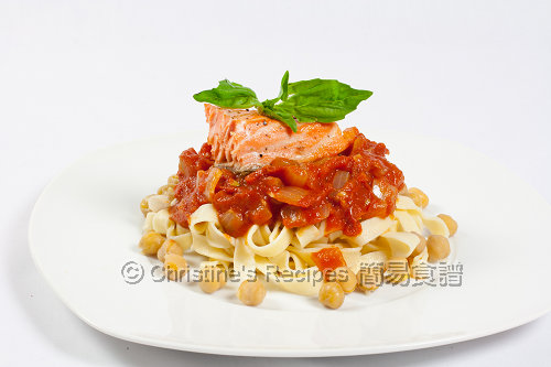 Salmon Pasta with Tomato Chickpea Sauce02