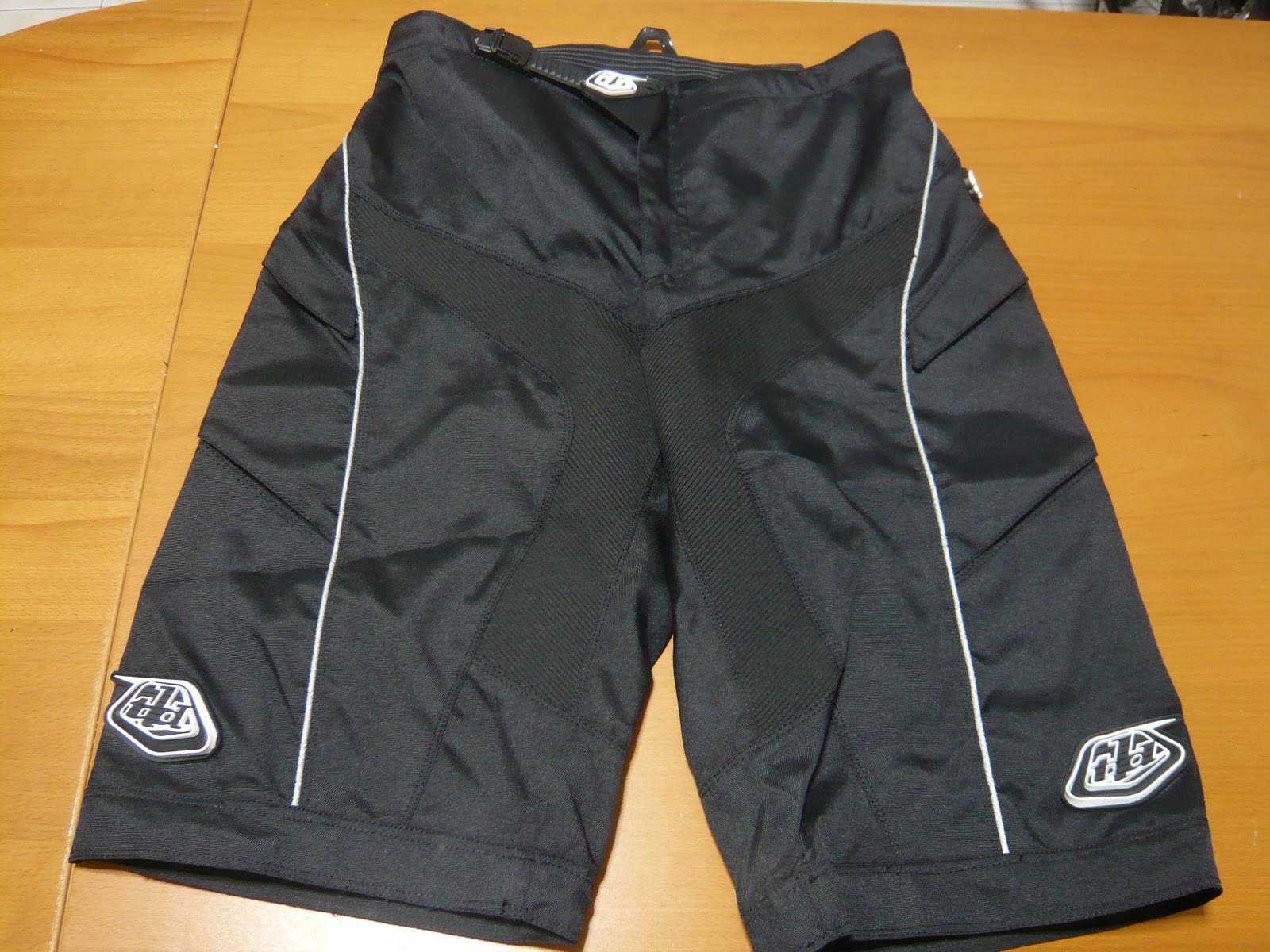 0e5680c9a These are real TLD (Troy Lee Designs) Moto Bike Shorts best used for All  Mountain Freeride Downhill type of mountainbike riding. 600 polyester is  about as ...