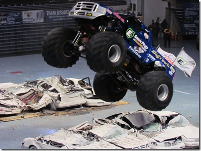 Monster Trucks 048