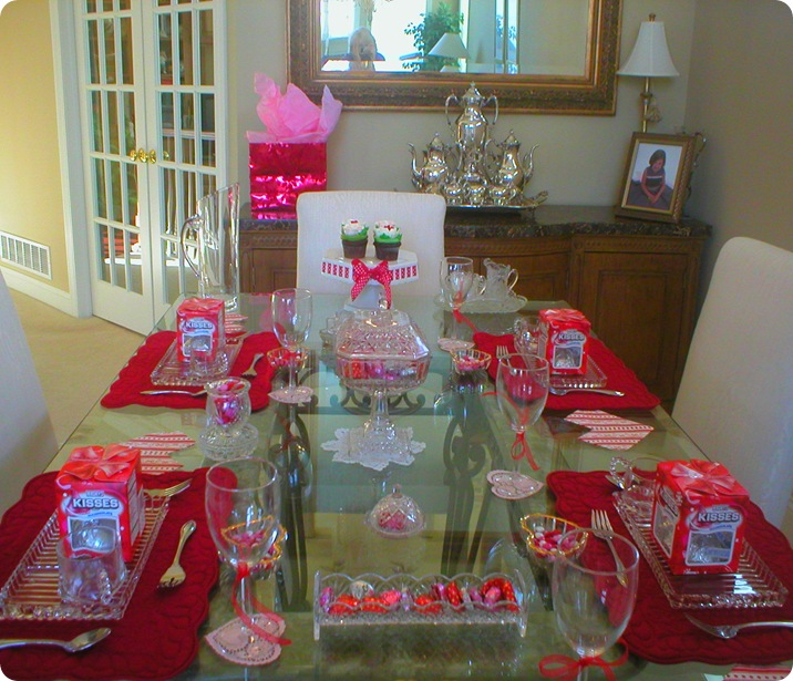 Valentines Day table long