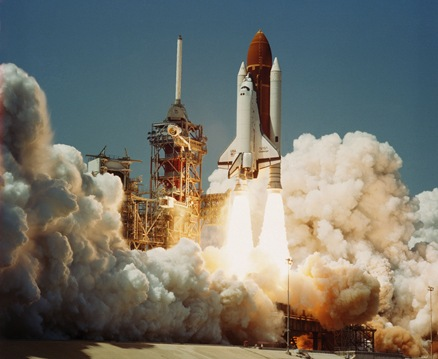 Space_Shuttle_Challenger_(04-04-1983)