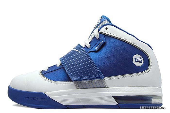 5fa98ccb097 ... Nike Zoom Soldier IV TB WMNS 8211 WhiteRoyal Sample New Photos