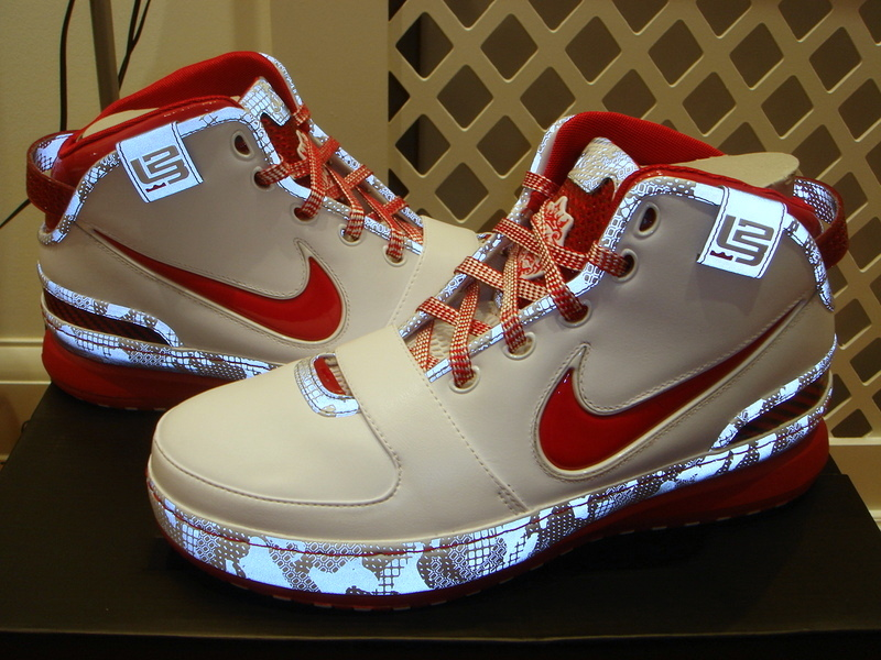 e302ff461eb A Second Look at the GRed Nike Zoom LeBron VI Home PE ...
