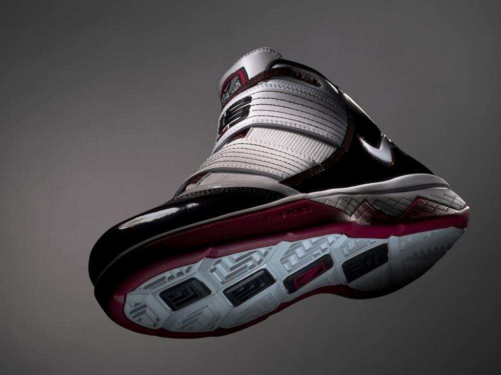 4ff19400bb2 LeBron James8217 Playoff Shoe 8211 Nike Zoom Soldier III POP ...