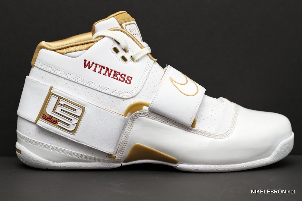 d0976eed690 ... PE Spotlight Nike Zoom Soldier White amp Gold 2007 NBA Finals PE ...