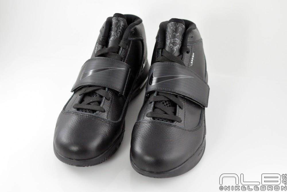 311d1ba8570 Nike Zoom Soldier 4 8220Triple Black8221 aka 8220Blackout8221 Showcase ...