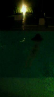 裸泳的平野绫