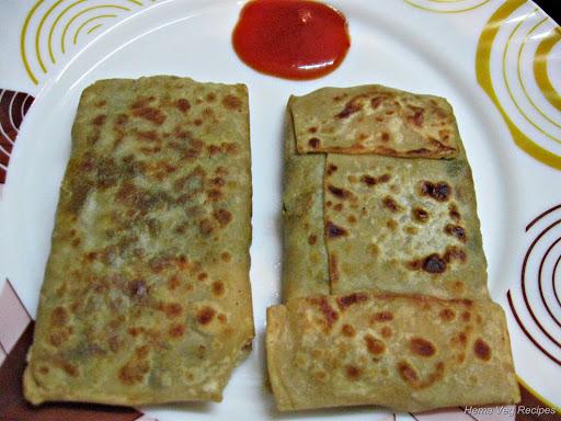Turkish Roti or Stuffed Roti with Sauce