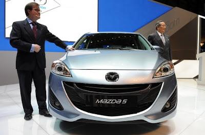 2011 Mazda5-04.jpg