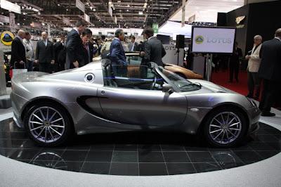 2011 Lotus Elise-03.jpg