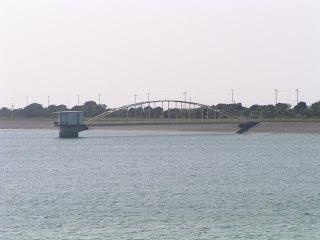 豊橋南部浄水場の取水塔