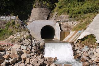 仮排水トンネル出口