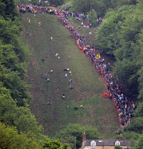 cheese-rolling (4)